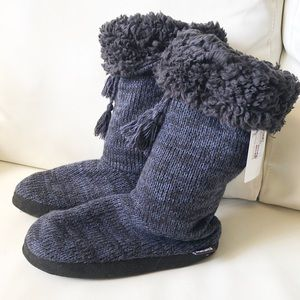 ⭐️ 4/$30 ⭐️   Muk Luk Knit Sock Booties  NWT